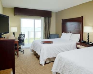 Image of a room just like ours, from hotels.oceancity.com
