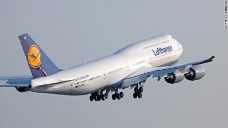 130416102558-lufthansa747-8-flying-747-horizontal-gallery